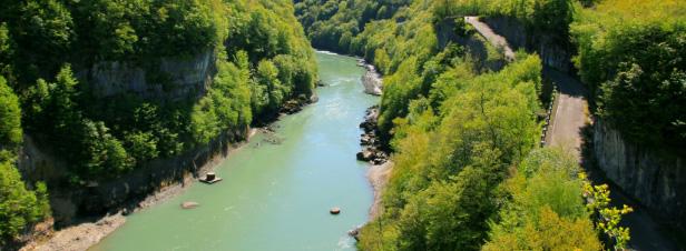Pesticides, nitrates, barrages continuent à impacter la qualité de l'eau dans le Sud-Est