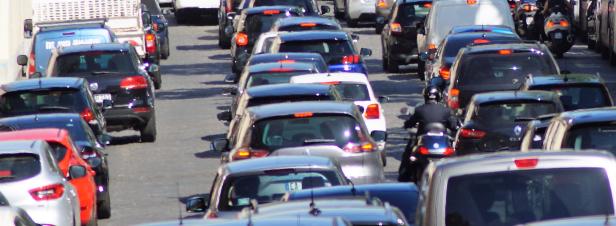 La moitié des Européens utilisent leur voiture personnelle au quotidien
