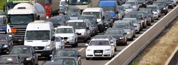 Baisse des émissions des voitures: Les Etats membres et le Parlement européen tombent d'accord
