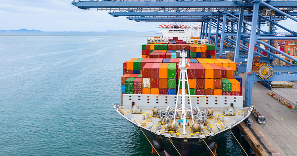 Logistique: signature d'une charte pour favoriser le recours aux ports français