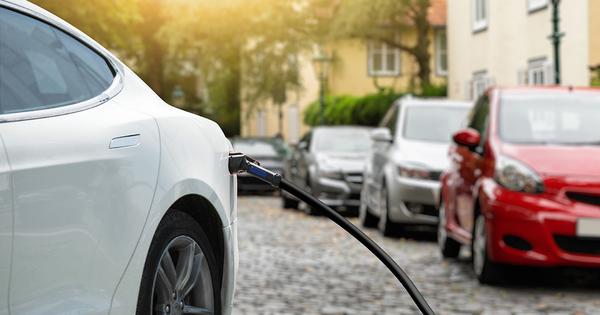 Jean-Baptiste Djebbari annonce une aide de 1 000 euros pour l'achat d'un véhicule électrique d'occasion