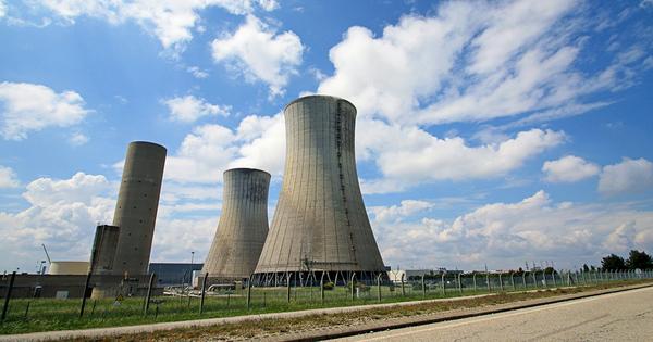 Nucléaire: l'ASN donne son feu vert à la poursuite d'exploitation du réacteur 4 de Tricastin