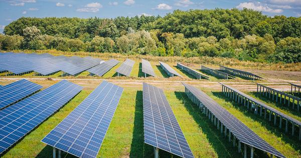 Photovoltaïque: les députés réintroduisent la révision des anciens tarifs d'achat