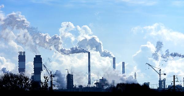 Baisse des émissions de CO2: les «bons» résultats français font polémique