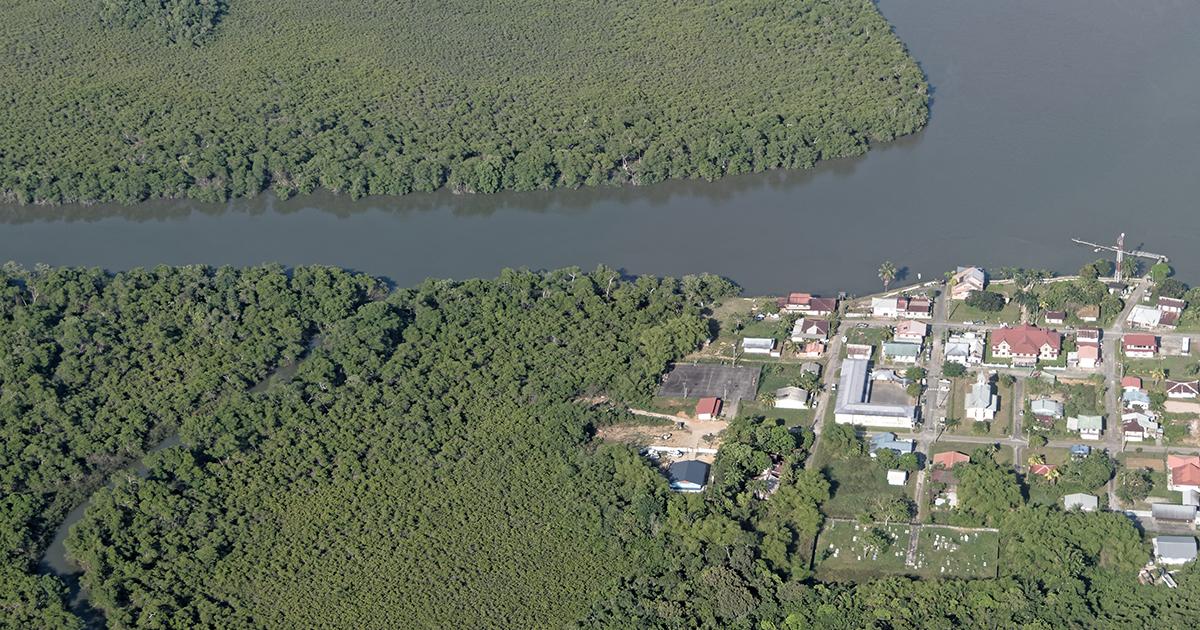 Centrale thermique du Larivot en Guyane: les ONG déposent plainte
