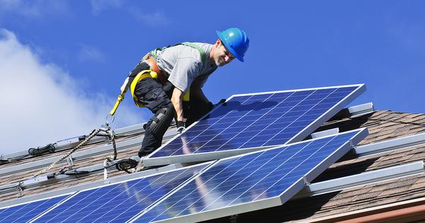 Photovoltaïque sur bâti: modification relative au contrat d'achat pour les installations de moins de 100 kW