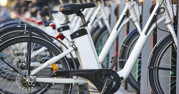 Vélos électriques en libre-service: les sociétés Smoove et Zoov s'unissent