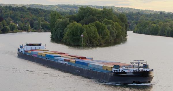 Le secteur fluvial signe des engagements pour la croissance verte avec l'État