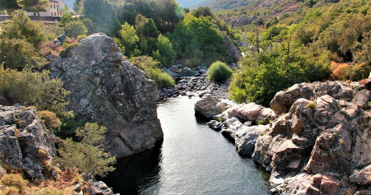 Un collectif d'associations de Corse déclare les droits du fleuve Tavignanu