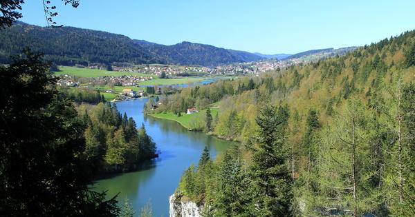 Les parcs naturels régionaux du Doubs-Horloger et Corbières-Fenouillèdes officiellement créés