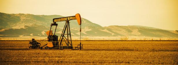 La chute du prix du baril va-t-elle entraver la transition énergétique ?