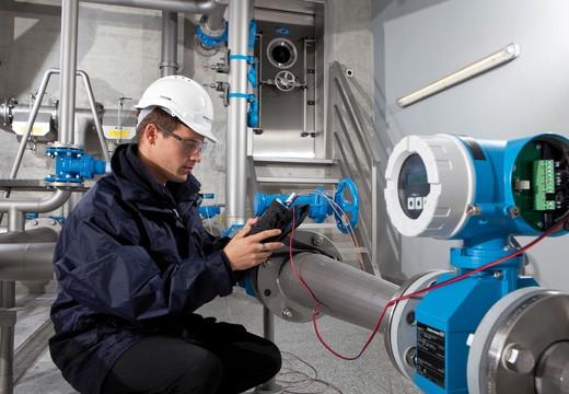 Contrôle sur site des dispositifs de comptage des eaux par Endress+Hauser