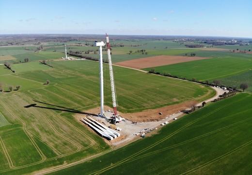 Éolien-solaire : réussir la phase conception-construction de votre projet par RES