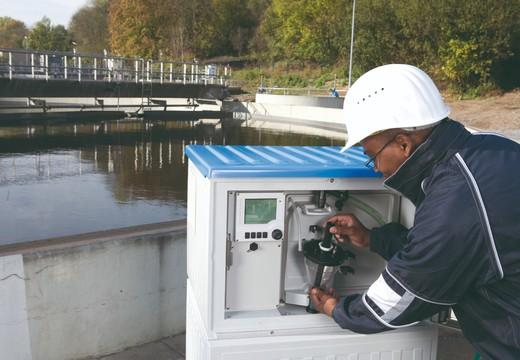 ASP-Station 2000 RPS20B : préleveur d'échantillons Trait. eau / Eaux usées par Endress+Hauser