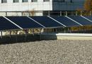 Garde-corps fixes OVALIC® PV : sécuriser et rentabiliser votre toiture par Frénéhard
