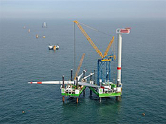 Eolien offshore : solutions de levage et de transport complexes