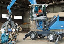 MHL820 : pelle électrique de recyclage et de manutention des ferrailles