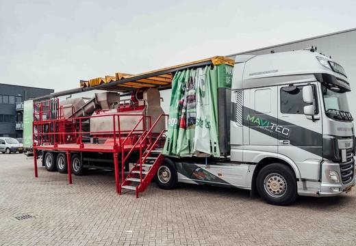 Unité de désemballage des biodéchets sur camion de démonstration itinérant