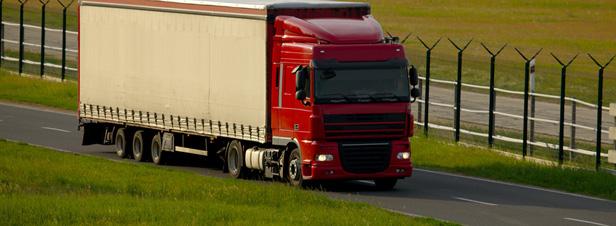 Loi Transport : l'éco-taxe poids lourds définitivement adoptée