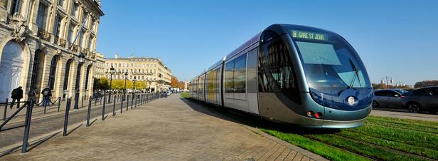 Transports en site propre : les associations d'usagers lancent un appel en faveur du tramway