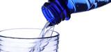 La radioactivité des eaux en bouteille reste acceptable