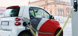 Transition énergétique : Ségolène Royal mise sur le véhicule électrique