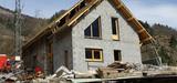 Constructions illégales : l'action en démolition réduite de deux ans à six mois