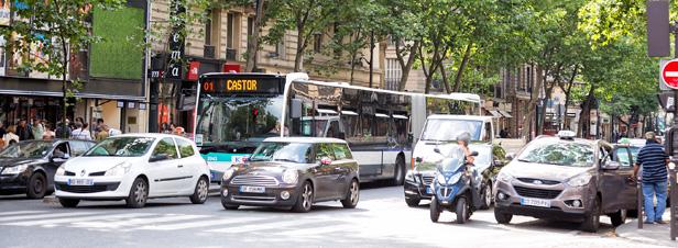 Pollution de l'air : Ségolène Royal lance un nouveau système d'identification des véhicules