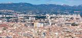 La France bétonne autour de ses centres urbains et des axes de communication