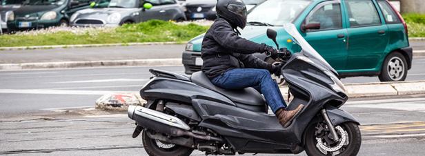 Pollution de l'air : une étude alerte sur les émissions des scooters et des voiturettes