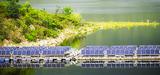 Flottant, linéaire, vertical : la filière photovoltaïque innove pour limiter les conflits d'usage