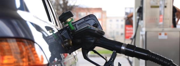 La stratégie nationale bas carbone confrontée au choc de l'annulation de la hausse de la taxe carbone