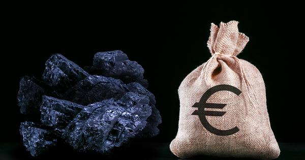Énergies fossiles: la Place financière de Paris s'engage à renforcer ses désinvestissements