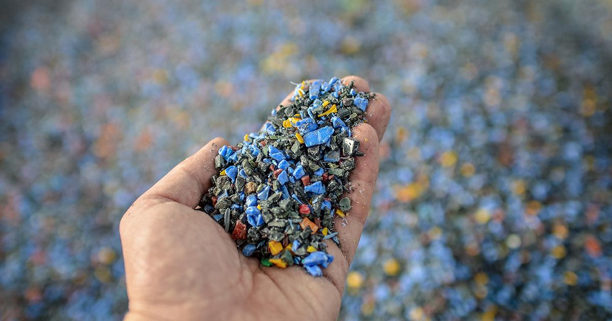 Recyclage des plastiques: un rapport propose d'imposer un reporting des taux d'incorporation