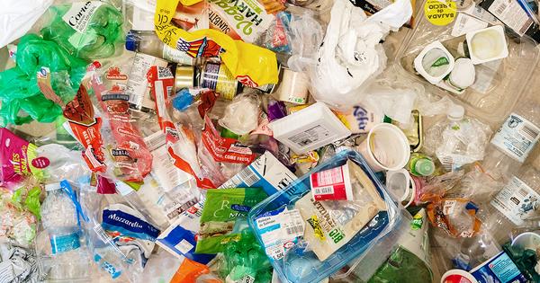 Emballages plastique: l'État propose des objectifs de réduction, de réemploi et de recyclage