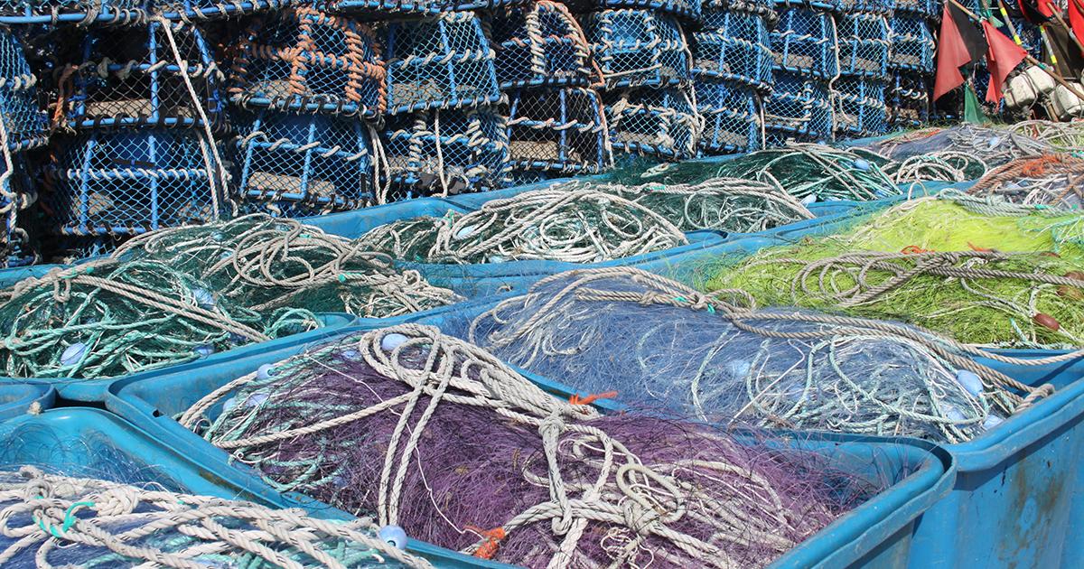 Les activités de pêche et d'aquaculture génèrent 4 600 tonnes de déchets plastique par an