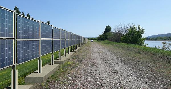 Panneaux photovoltaïques bifaciaux: les projets test se multiplient en France