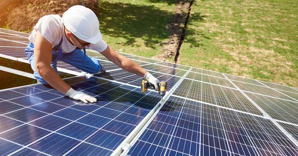 Électricité renouvelable: l'État profitera d'une «régularisation à la baisse» de ses charges en 2022