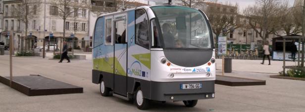 a la rochelle on a test les minibus sans chauffeur. Black Bedroom Furniture Sets. Home Design Ideas