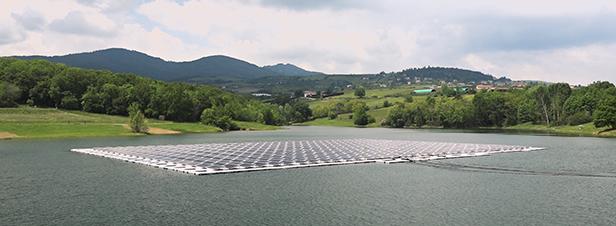 Le solaire flottant se développe en Auvergne-Rhône-Alpes