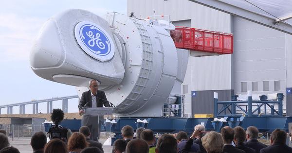 Éolien en mer: les éoliennes du futur parc de Saint-Nazaire sortent d'usine