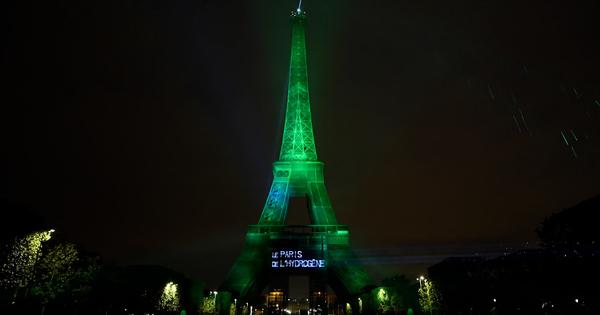 La Tour Eiffel brille à l'hydrogène décarboné